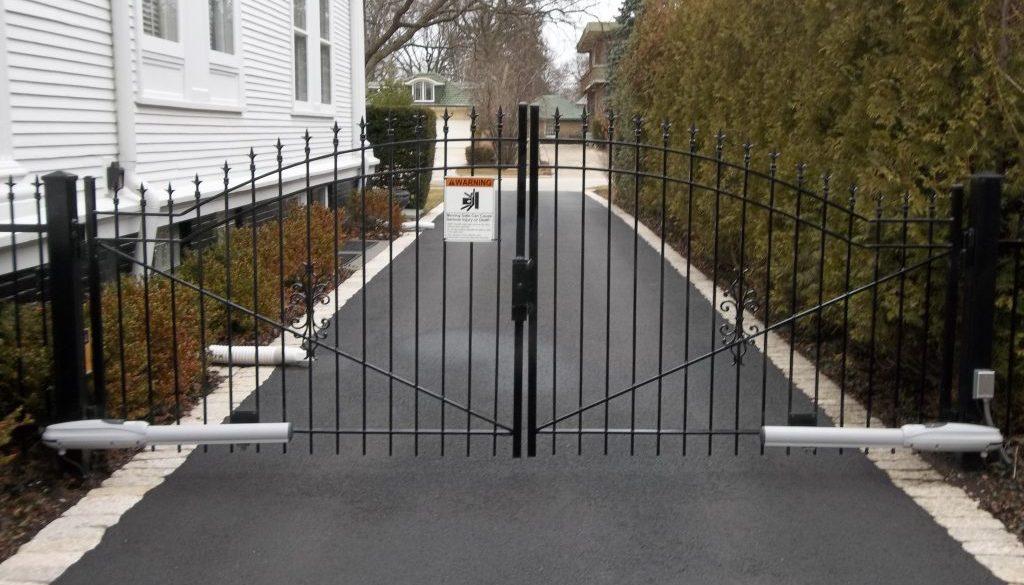 Kenilworth gates 4