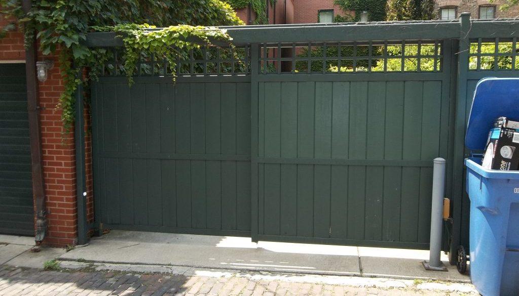 Slide gate on Burling 1
